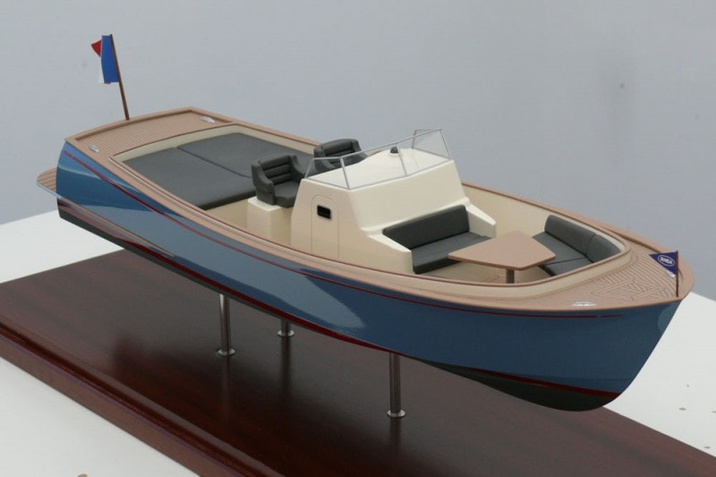 Presentation du dayboat Open 35 du chantier naval RHEA Marine